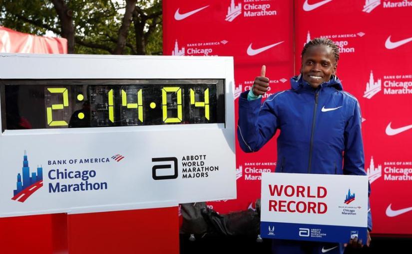 Brigid Kosgei bate el record en la maratón deChicago